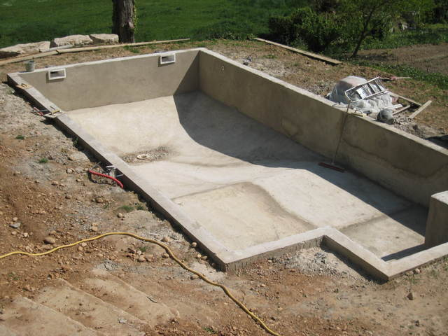 La chape au mortier hydrofuge de la piscine dev - Realiser sa piscine ...