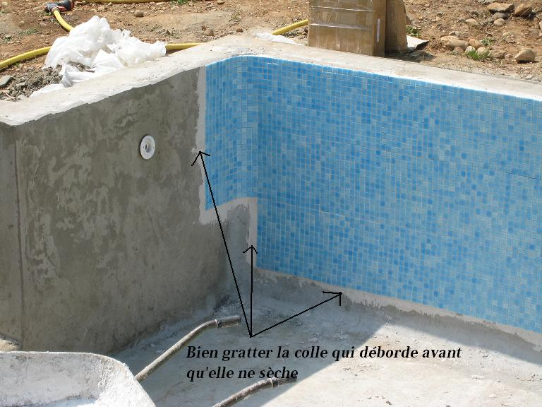 la pose du carrelage de la piscine construire sa. Black Bedroom Furniture Sets. Home Design Ideas