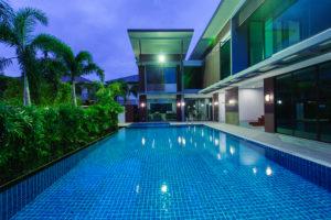 La piscine béton à un tarif abordable