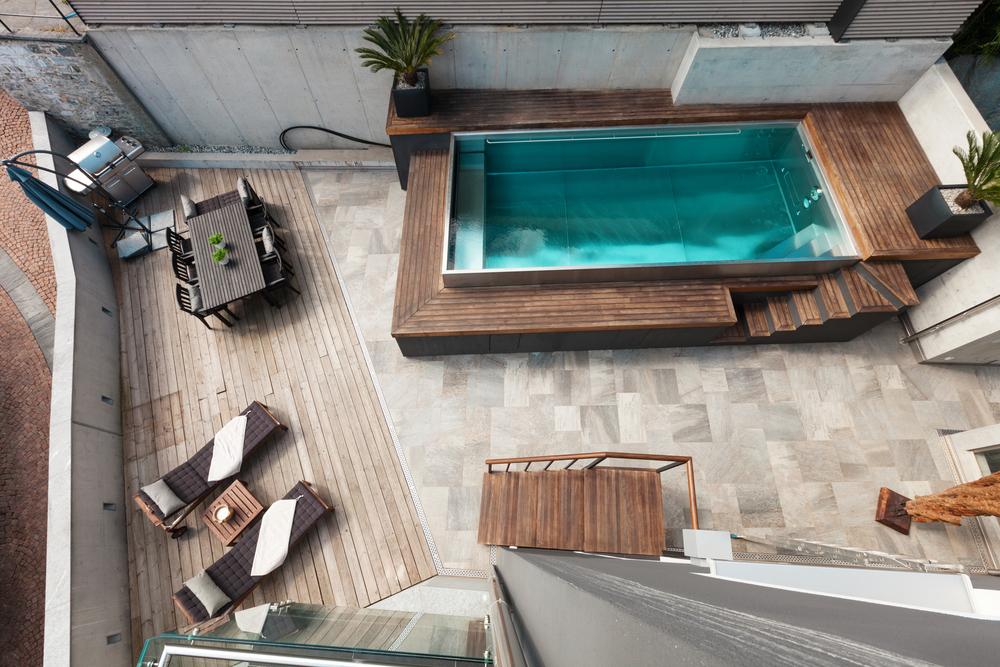 piscine inox les prix les caract ristiques et les. Black Bedroom Furniture Sets. Home Design Ideas