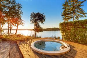 Profiter des joies du bain à remous