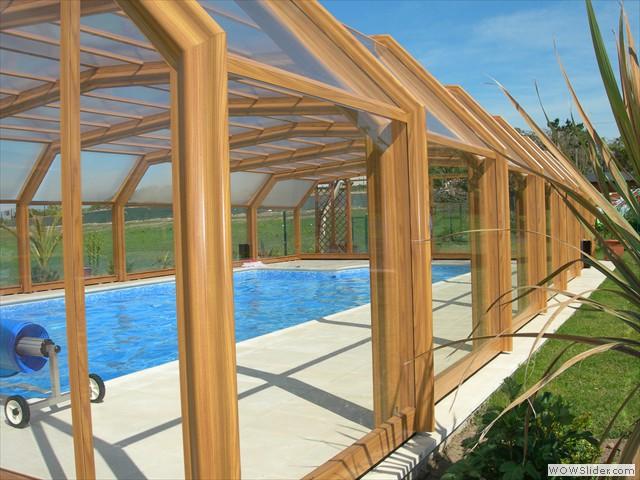 Structure bois pour votre abri de piscine : le matériau noble - DEV.Construire-sa-piscine.com