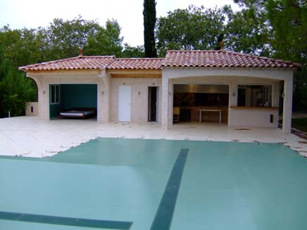 R alisation d 39 un pool house de piscine tapes et photos construire sa - Photos pool house piscine ...