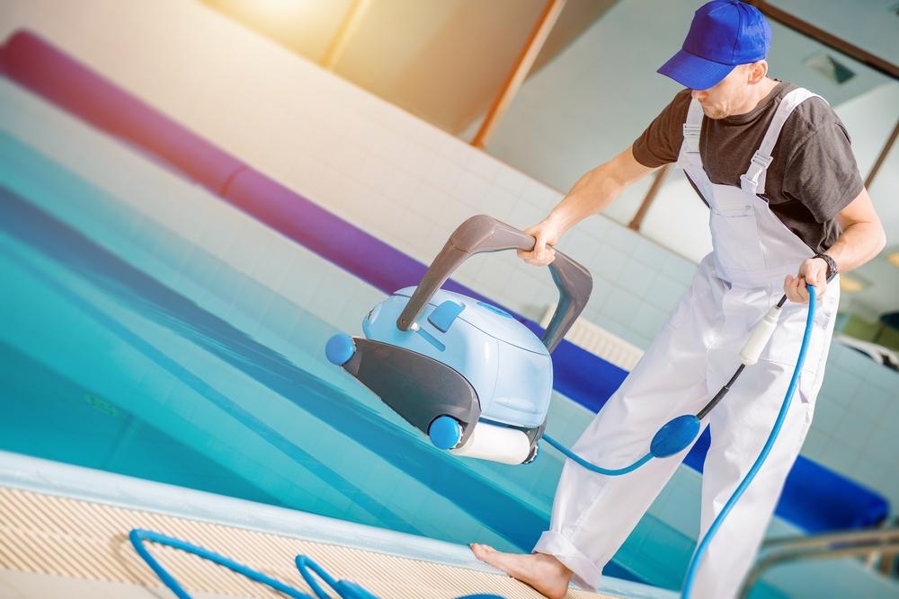 Outil d'entretien bassin piscine