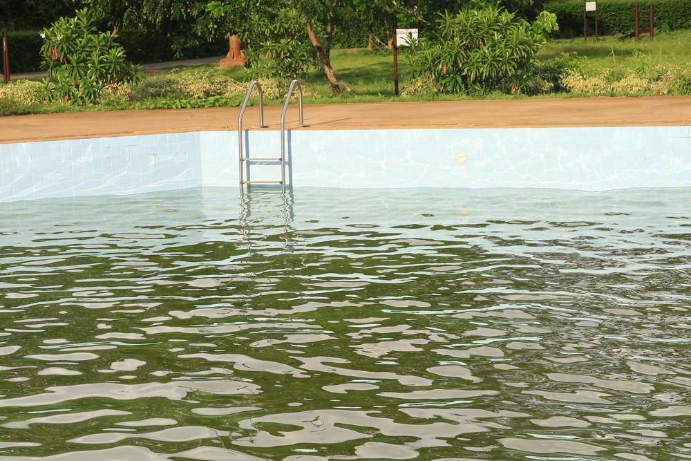 eau de piscine trouble