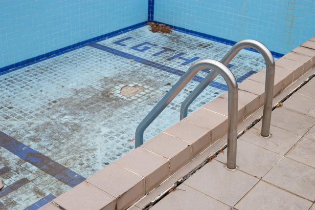 métaux pour piscine
