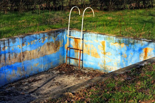 rouille piscine par corrosion naturelle