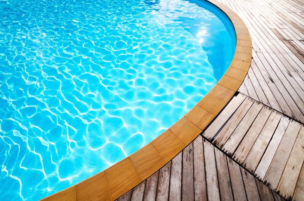 eau de piscine traitée par électrolyse au sel