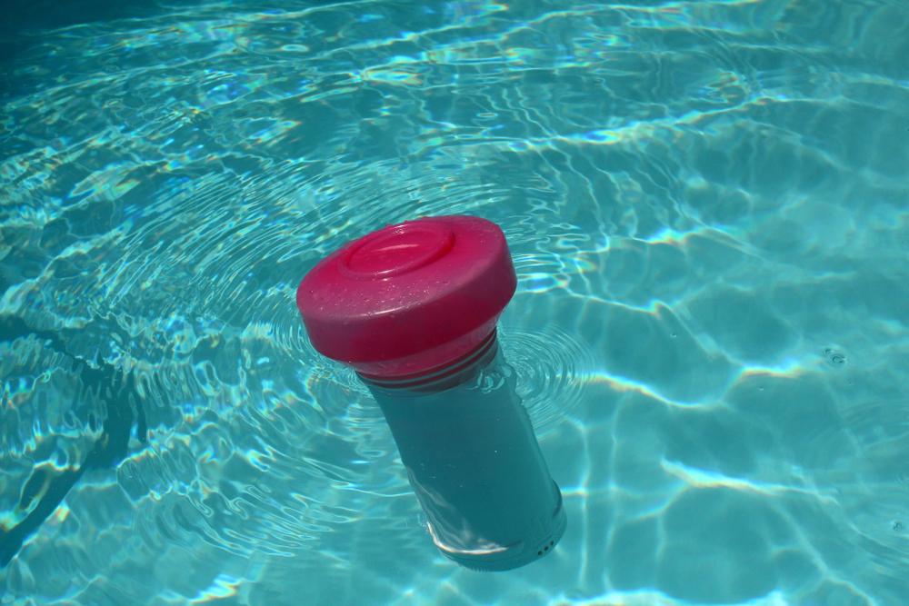 Traitement piscine au PHMB